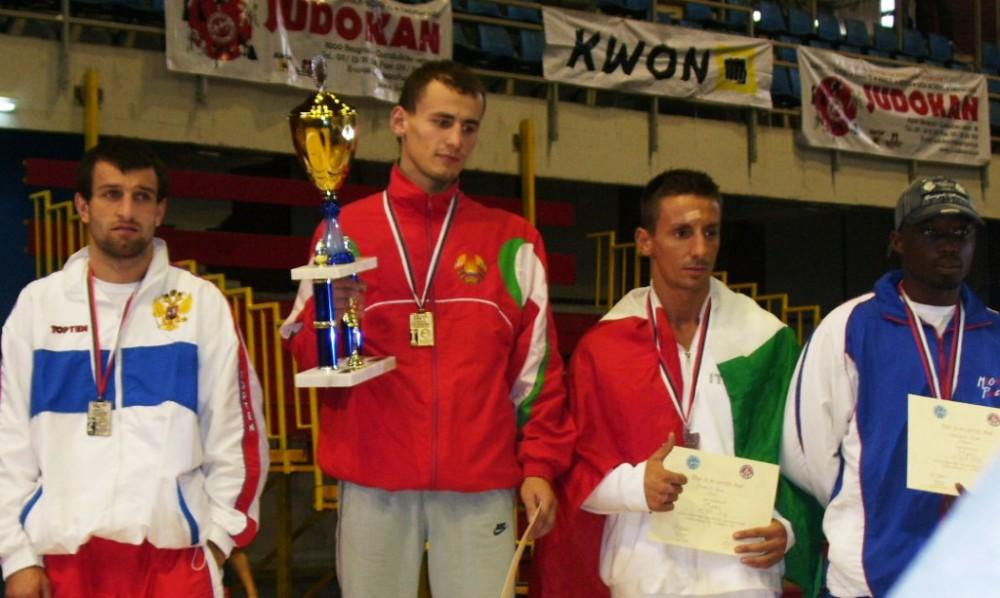 Валент Д. чемпион мира WAKO