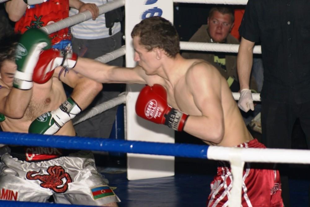 Валент атакует Гусейнова