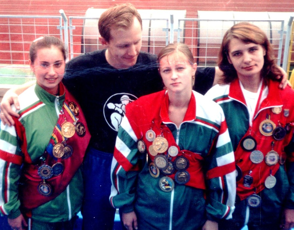 Чемпионки и тренер