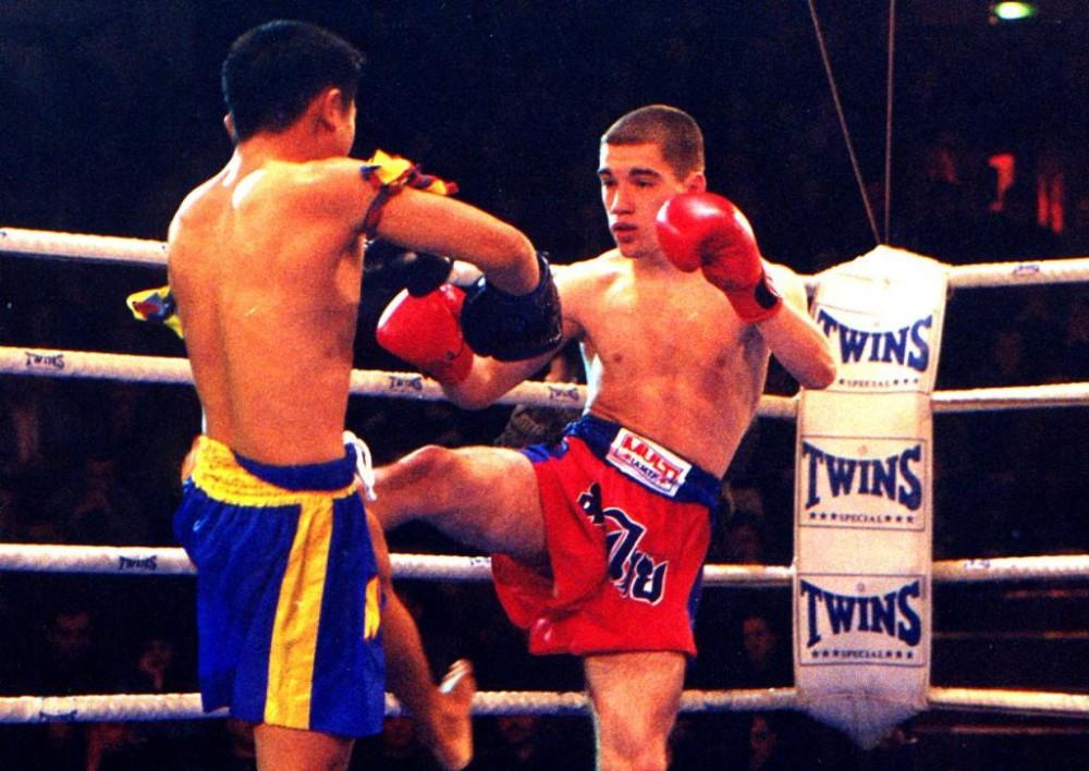 Корень Дмитрий в бою с тайцем